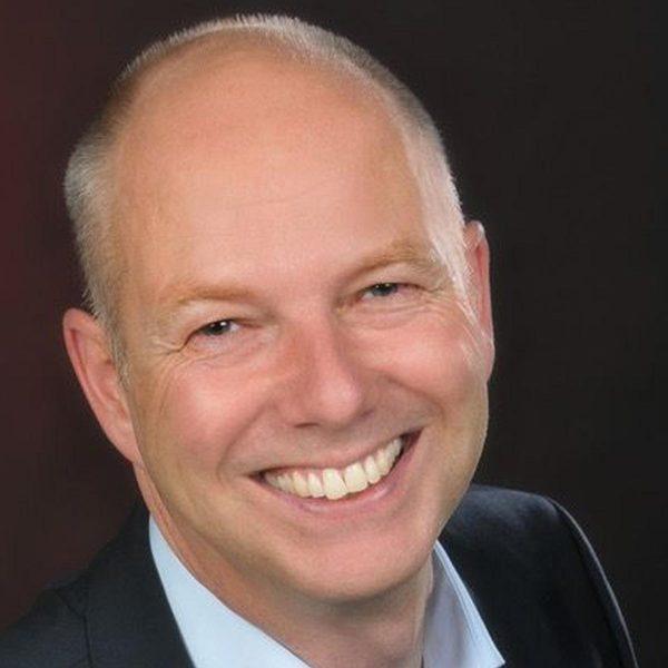 Dr. Carsten Pfahlert